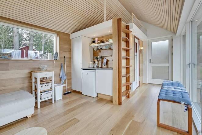 Simon Steffensen S Tiny Cabin Embraces Scandinavian Design