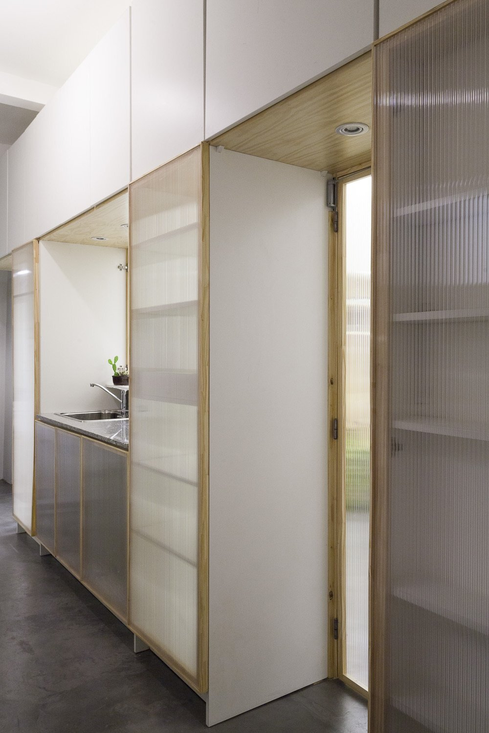 Thea Space - IR Arquitectura - Argentina - Kitchen - Humble Homes