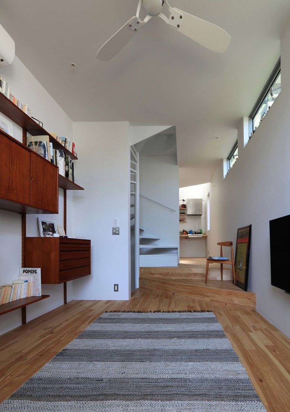 House at Hommachi - Atelier Hako Architects - Japan - Living Room - Humble Homes