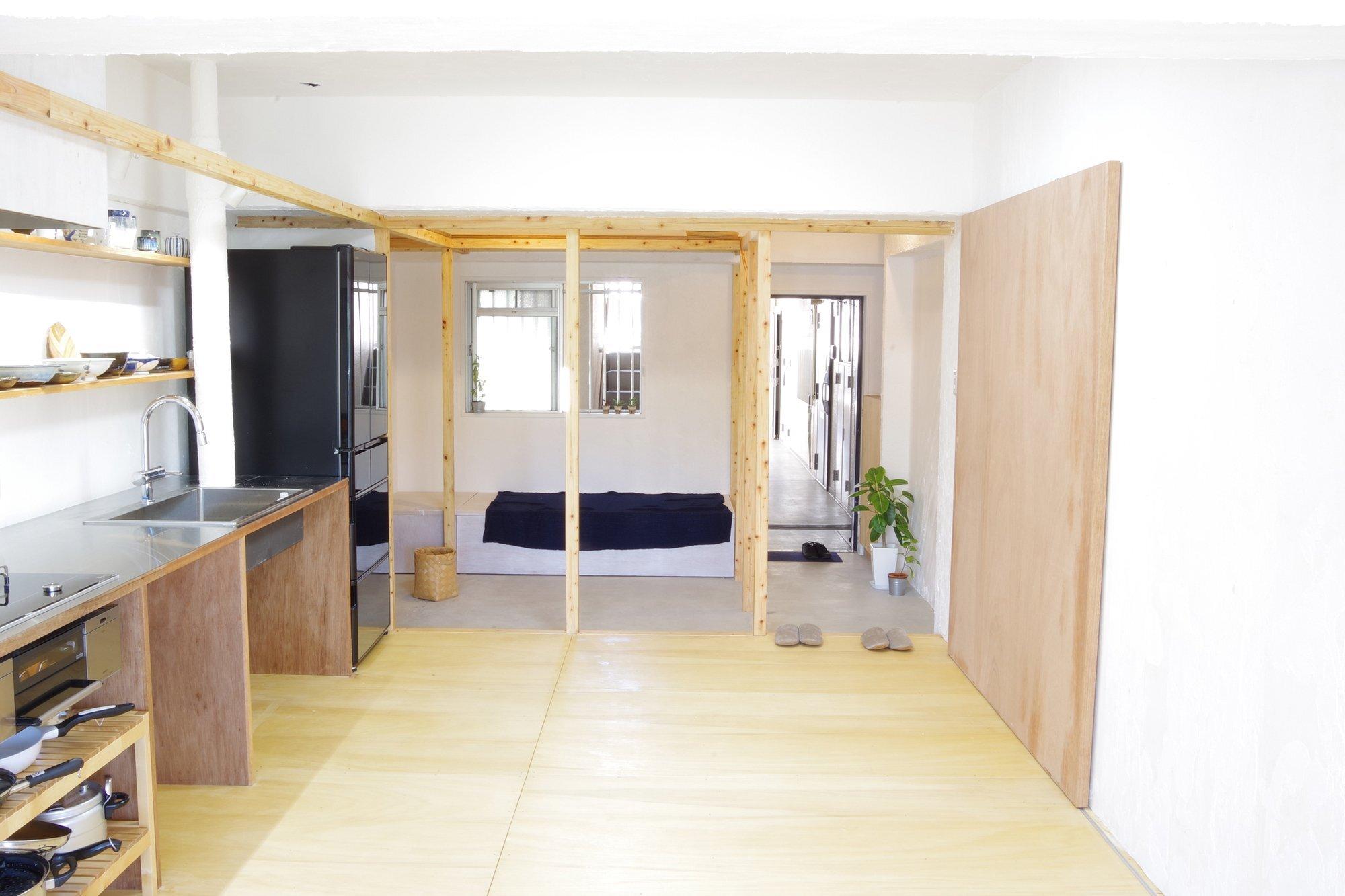 frame-house-peak-studio-kawasaki-japan-living-area-humble-homes