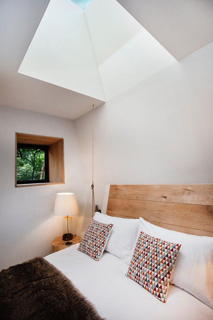 woodman-treehouse-guy-mallinson-dorset-england-bedroom-humble-homes