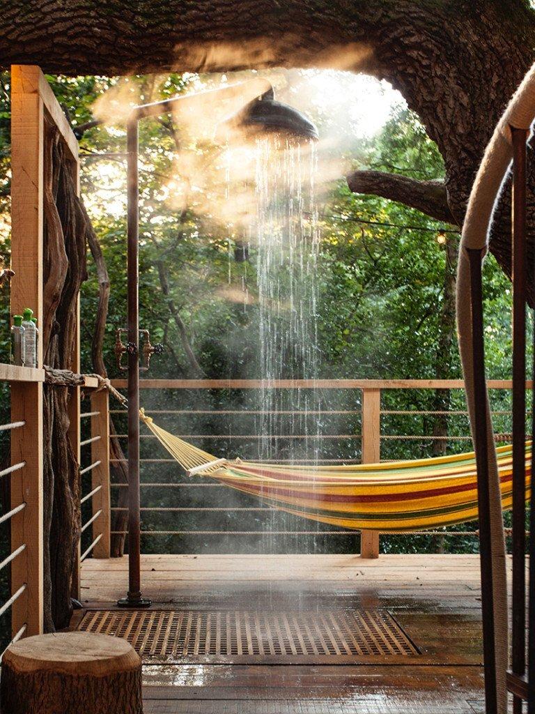 woodman-treehouse-guy-mallinson-dorset-england-outside-shower-humble-homes