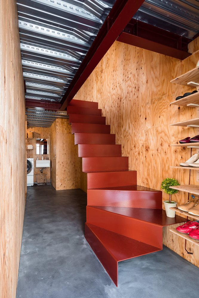 blemen-house-blemen-architects-tokyo-folded-steel-staircase-humble-homes