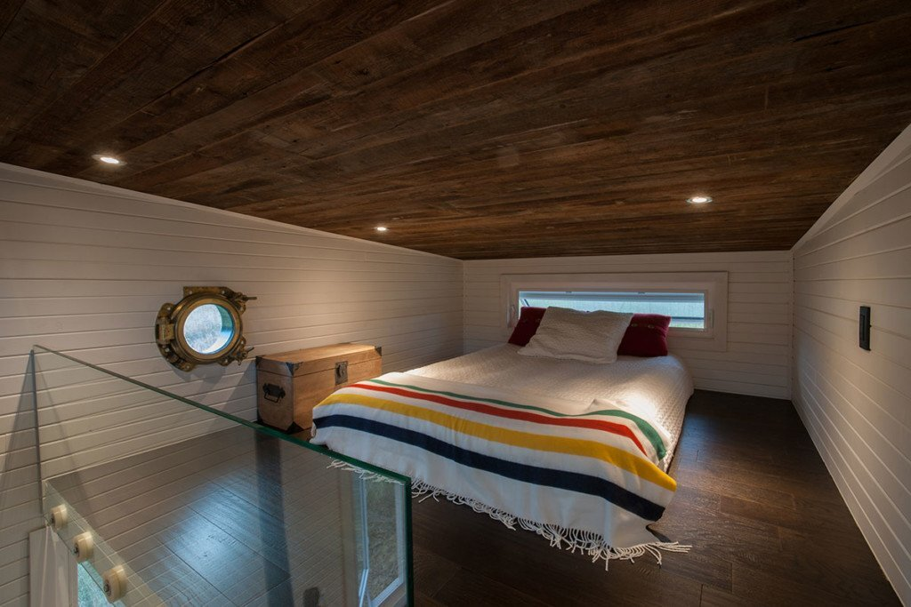 tiny-house-greenmoxie-david-shephard-and-ian-fotheringham-toronto-bedroom-humble-homes