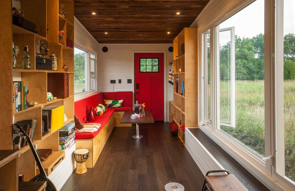 tiny-house-greenmoxie-david-shephard-and-ian-fotheringham-toronto-living-area-humble-homes