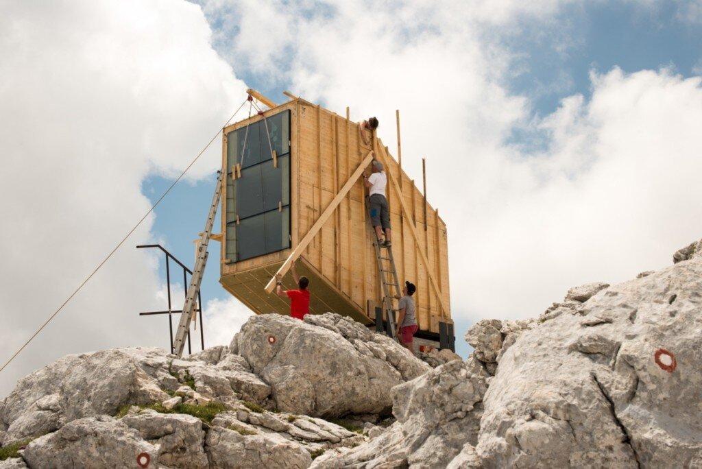winter-cabin-on-mount-kanin-ofis-arhitekti-kanin-construction-humble-homes