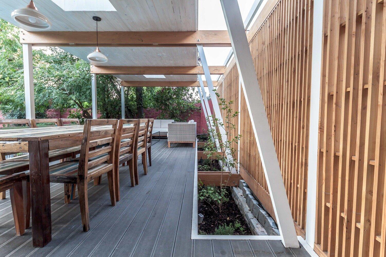 Pergola Pavilion - PAR Arquitectos - Chile - Dining Area - Humble Homes