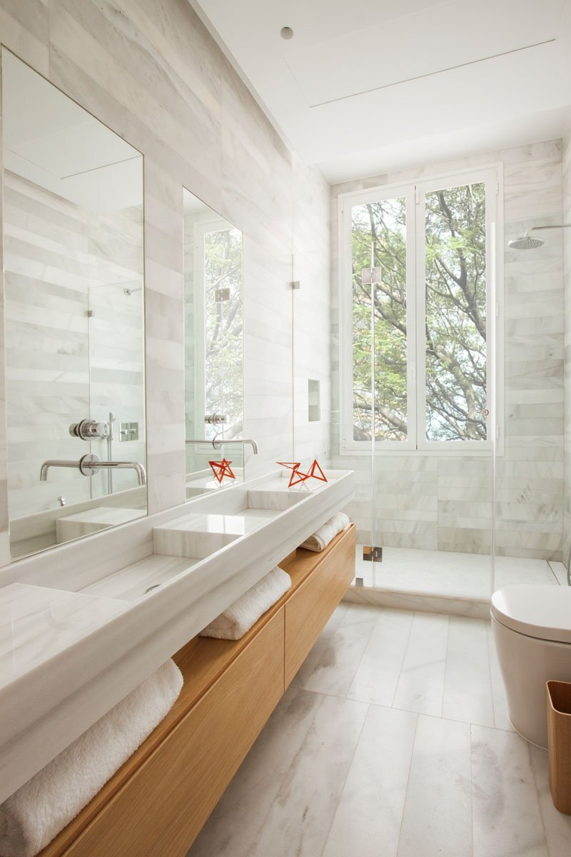 Small Contemporary Apartment - Lucas y Hernández-Gil - Madrid Spain - Bathroom - Humble Homes