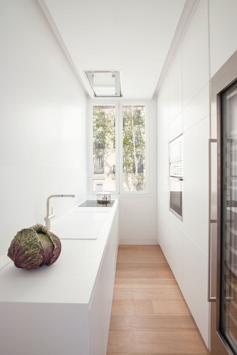 Small Contemporary Apartment - Lucas y Hernández-Gil - Madrid Spain - Kitchen - Humble Homes