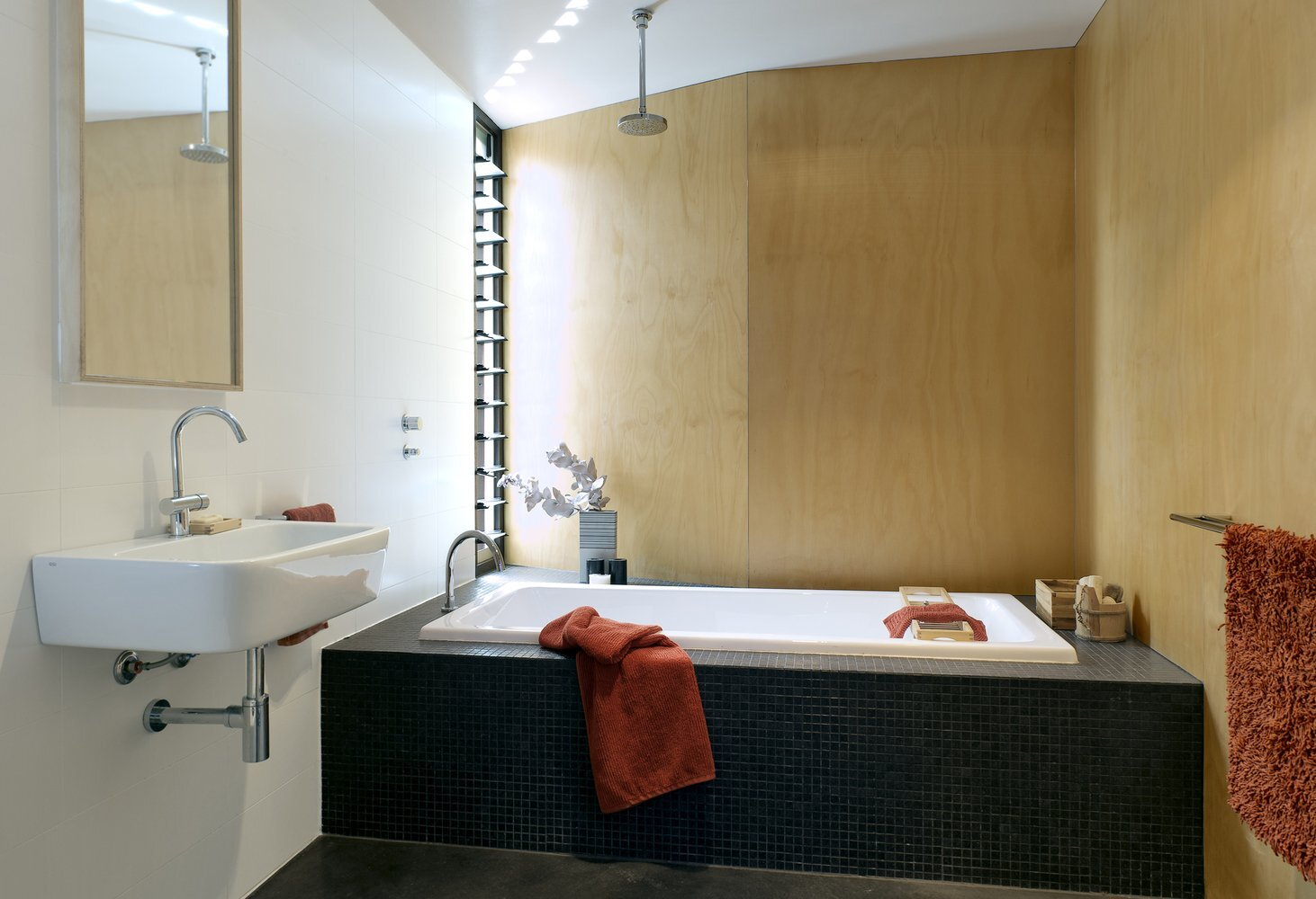 Gresley Monk Residence - Gresley Abas Architects + Justine Monk Design - Australia - Bathroom - Humble Homes