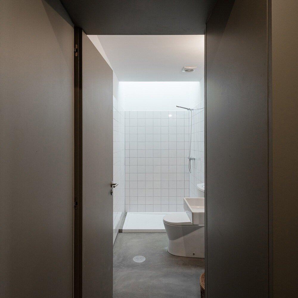 The Green House - URBAstudios - Portugal - Bathroom - Humble Homes